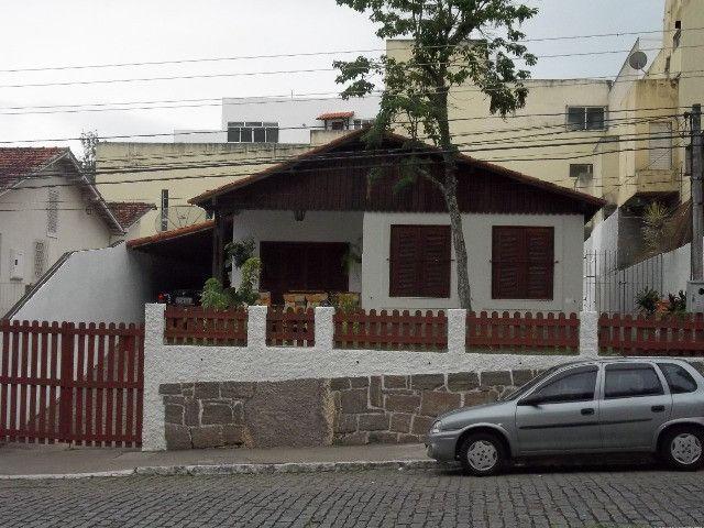 Vendo casa 04 quartos,piscina,mais apartamento,piscina,centro de vassouras