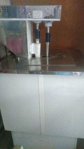 Vendo máquina de sorvete e picolé vai com seladora  - Foto 4