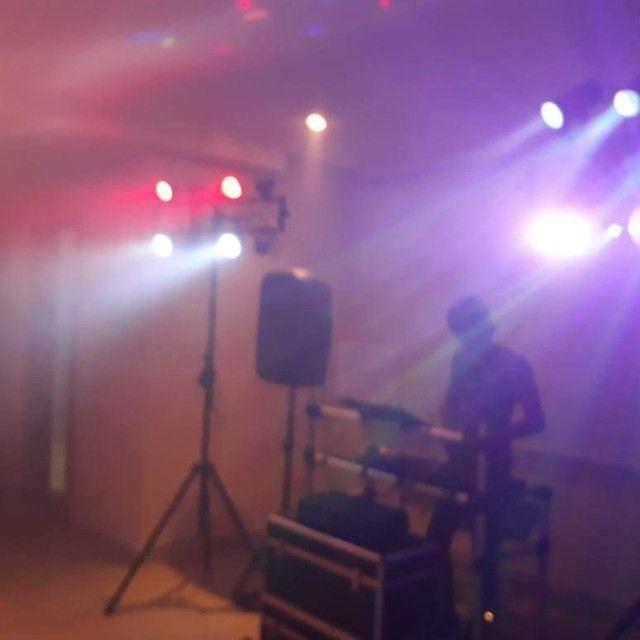 Vendo Todos meus equipamentos de DJ mais jogo de iluminação de salão
