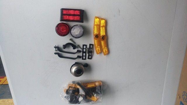 Kit de refletores e Campainha para bicicleta. - Foto 3