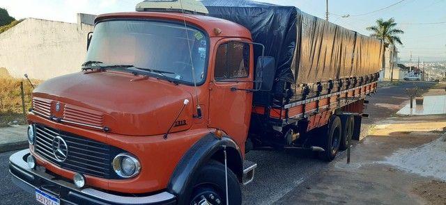 Vendo ou troco boiadeiro ou caçamba truck - Foto 3