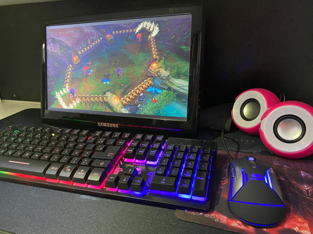 Jogo Teclado e Mouse brinde Mousepad-(Lojas Wiki)
