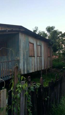 Troco em carro.Casa de madeira no bairro Ayrton Senna (Sobral)