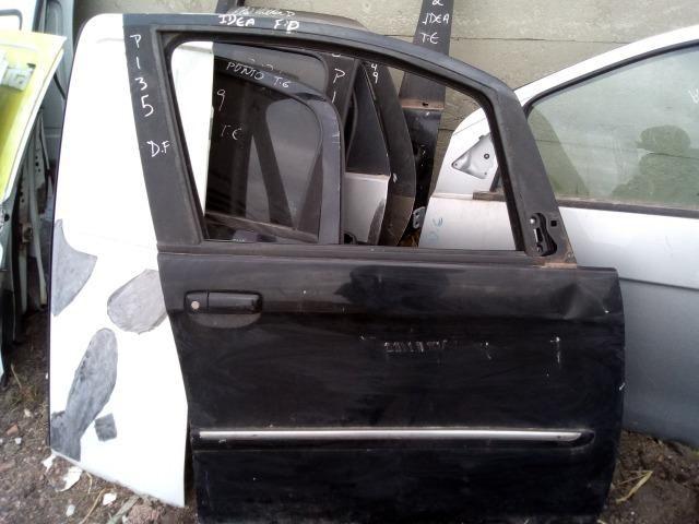 Porta dianteira Direita Fiat Idea c/ detalhe