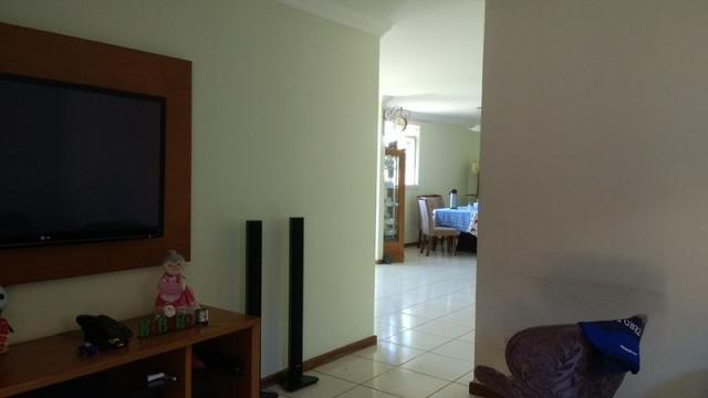 Excelente casa 5 quartos no bairro caiçara - Foto 4