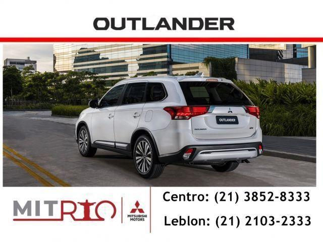 Mitsubishi Outlander HPE 2.0 160CV 7 Lugares Bco Couro Teto solar Conheça o Mit Fácil