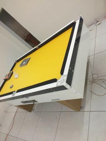 Mesa Comercial de Sinuca | Mesa Branca | Tecido Amarelo | Borda Preta | Modelo: IIFX8685 - Foto 2