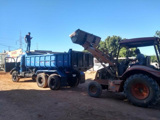 Caminhão 1519 basculante - Foto 4