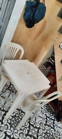 Mesa com dias cadeiras  - Foto 2