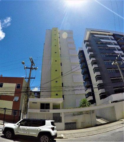 Ótimo apartamento na ponta verde,