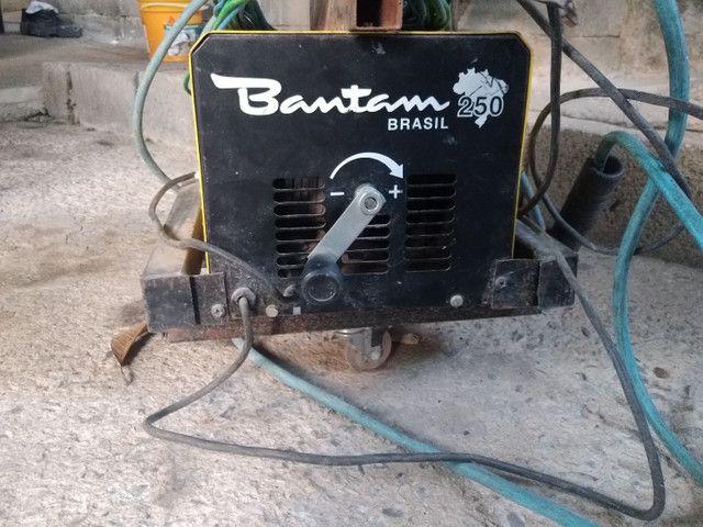 Máquina de solda esab 250 bantam