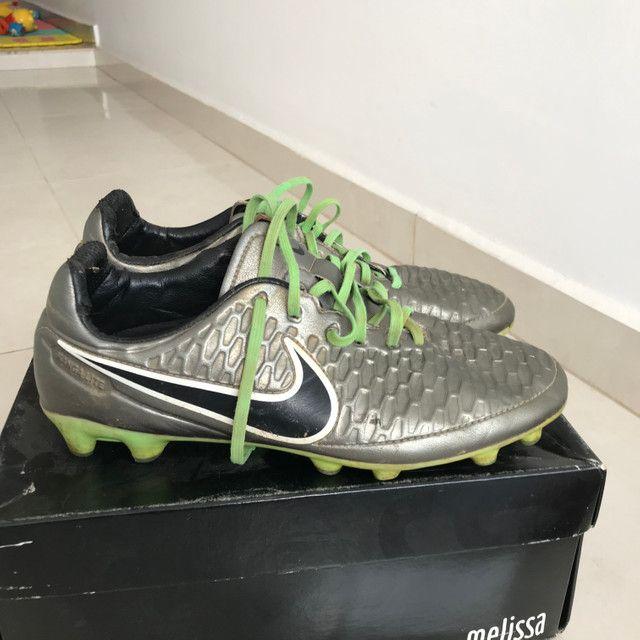 Vendo chuteira Nike Magista - Foto 2