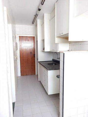 Apartamento  aluguel 78 m2, varanda,  2/4 + dependência Cidade Jardim Salvador - Foto 17