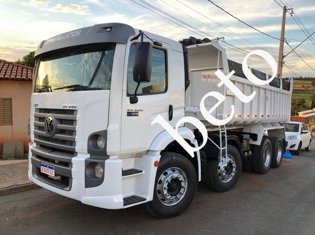Caminhão Volkswagen 24-250 Bitruck 8x2 Caçamba 11/12