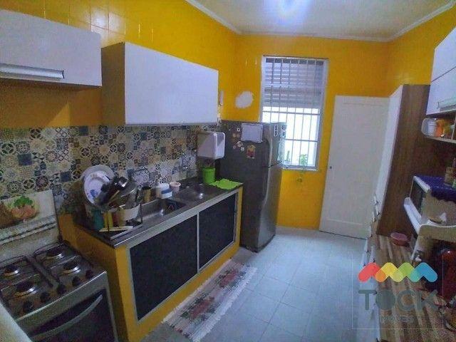 Alugo apartamento com três quartos, sendo um suíte, 150 m² - Barra - Salvador/BA - Foto 14