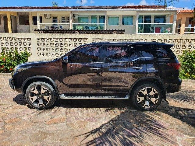 Toyota Hilux SW4 - Foto 4