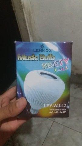 Lampada que toca musica