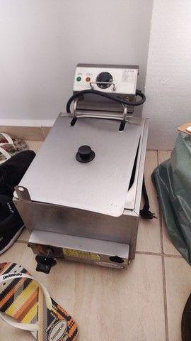 Fritadeira 220v ou a Gás (ela é hibrida) 4,5L - Whats * - Foto 2