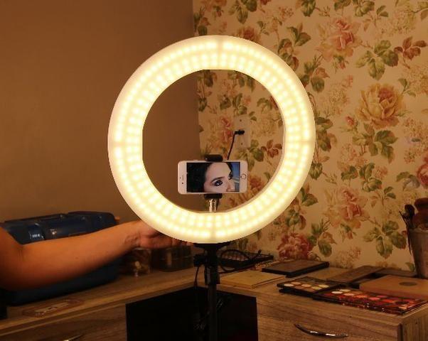 5ec5b36f19 Ring Light 600 Lâmpadas LED Lançamento Com Dimmer 3 Cores Studio Make Salão