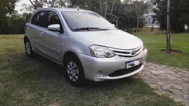 Toyota Etios HATCH 1.3 2015/ 2015 >Aceita troca menor valor