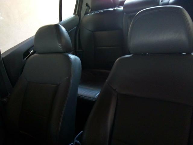 Vendo vectra elegance 2010,banco de couro rodas do vectra elite e câmbio manual - Foto 2