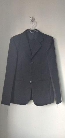 Vende-se grade de ternos (paletó  e calça) e camisa social - Foto 2