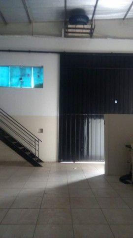 Barracão para alugar, 204 m² por R$ 2.800,00/mês - Residencial Florenza - Presidente Prude