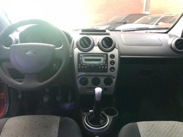 Ford Fiesta 1.0 FLEX 4P - Foto 8