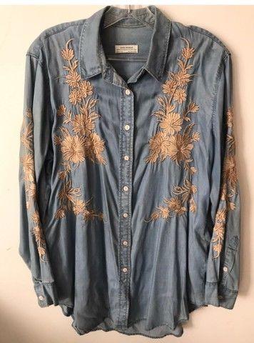 Camisa Jeans clara com bordado da Zara