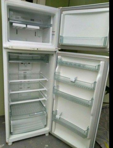 Promoção Geladeira Brastemp duplex Frost Free 800,00 - Foto 2
