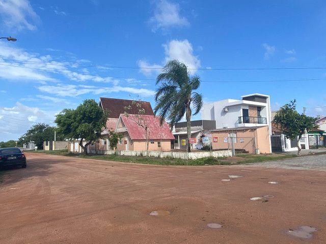 Terreno ao lado dos Chales na esquina São Lourenço