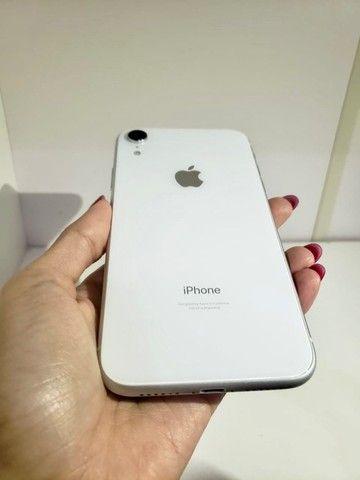 iPhone XR Apple - Branco 64GB  - Foto 3