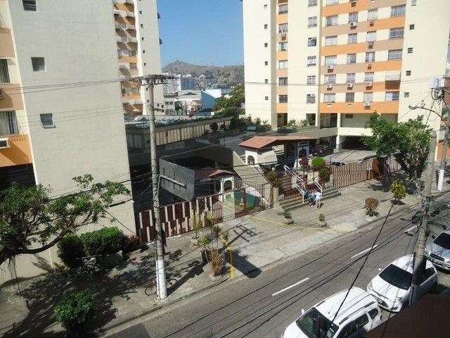 Apartamento com 2 dormitórios para alugar, 85 m² por R$ 1.000,00/mês - Centro - Niterói/RJ