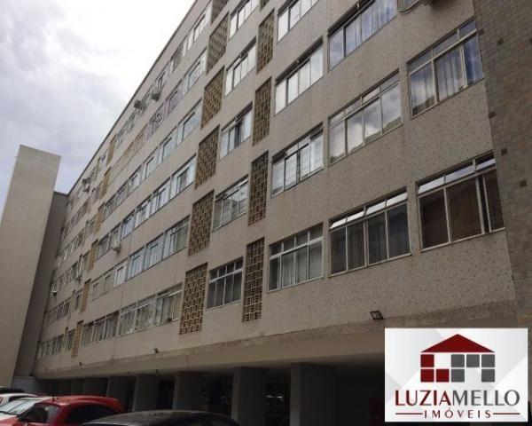 Apartamento de 2 quartos na SQS 310 com dependência completa de empregada