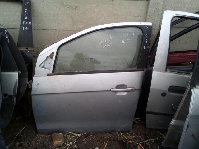 Porta dianteira esquerda Fiat Grand Siena