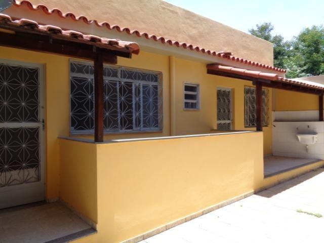 Alugo ótima casa no centro de Japeri - Foto 2