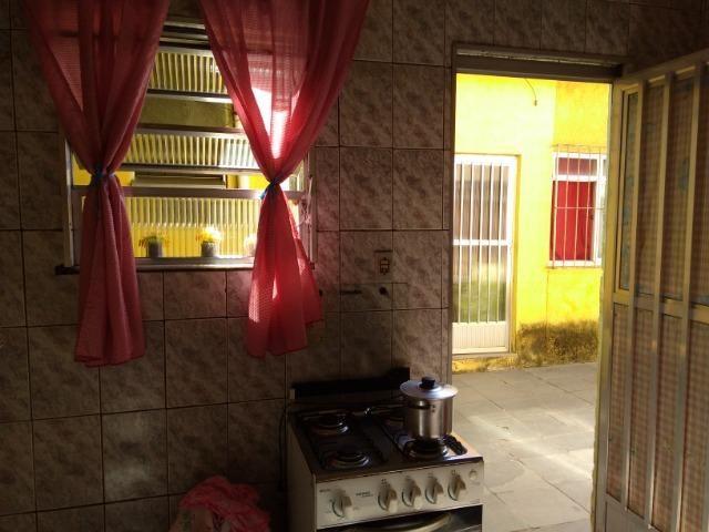 Casa De Vila Com: Quarto - Sala -Coz - Banh - Área - Coelho Da Rocha - Aceita Carta! - Foto 3
