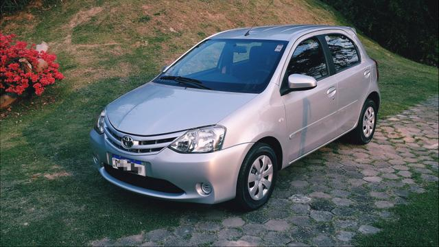 Toyota Etios HATCH 1.3 2015/ 2015 >Aceita troca menor valor - Foto 3