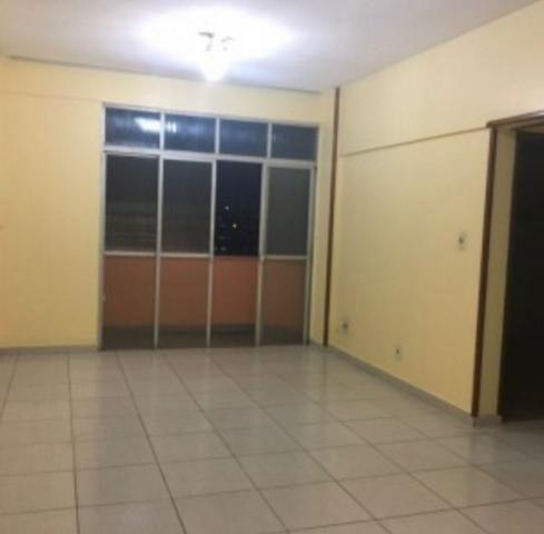 Aluga-se apto semi mobiliado no centro, 2 quartos - Foto 5