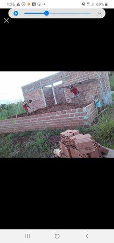 Vendo uma data com uma casa em construção * - Foto 2