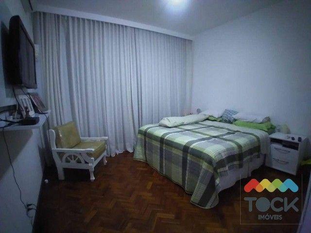 Alugo apartamento com três quartos, sendo um suíte, 150 m² - Barra - Salvador/BA - Foto 9