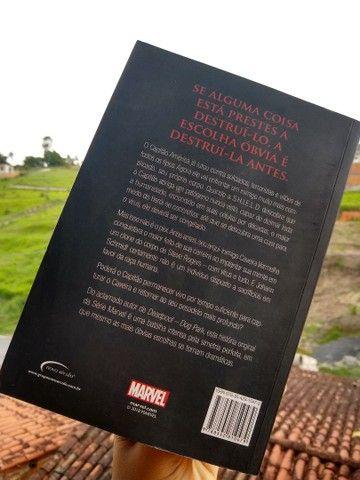 Livro capitão América desígnios sombrios - Foto 2