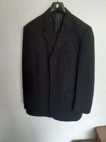 Vendo 3 paletós c/calças pretos  - Foto 2