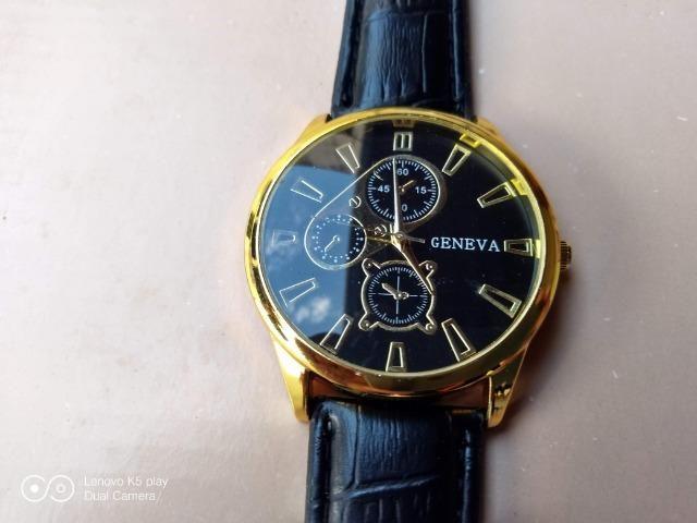 55be9e99ec1 Relógio Clássico Masculino - Bijouterias