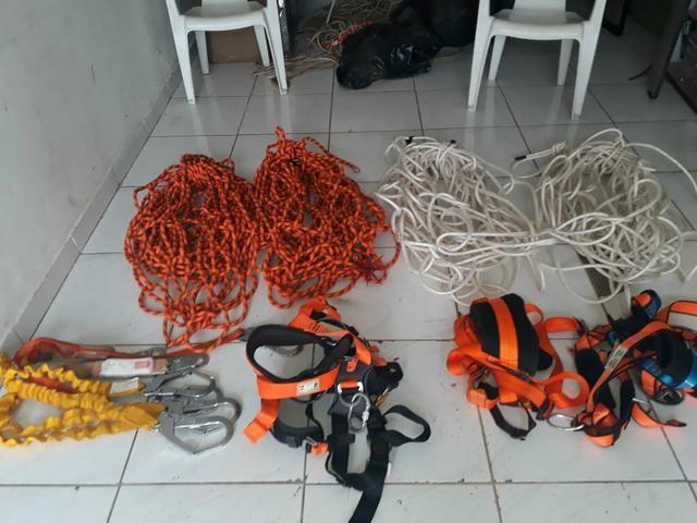 370e72a07382a Kit de equipamento de segurança para trabalho em altura- Rapel ...