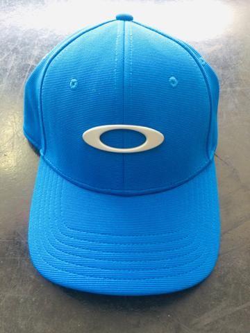 Boné Oakley Tincan Azul royal - Bijouterias 59c45f7a449