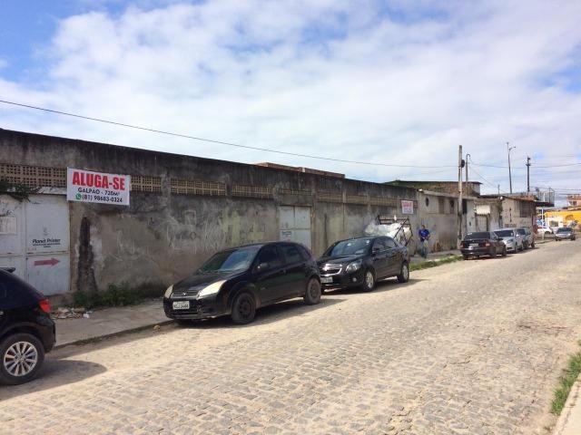 Aluga-se Galpão 720m² em Olinda