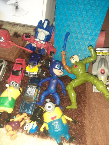 Lote de brinquedos  com 32 itens  - Foto 3