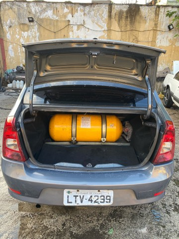 Renault Logan 1.6 expression totalmente revisado  - Foto 2