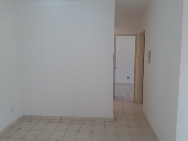 Alugo Apartamento 3 Quartos - Lado Nascente - Residencial Monte Castelo - Foto 3